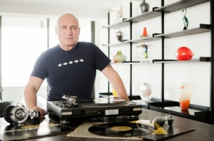 Danny-Tenaglia_turntable